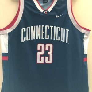 Connecticut Huskies Basketball Jersey - Nike #23